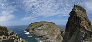 SX07296-07300 Panorama castles on Tintagel Island and Tintagel mainland.jpg